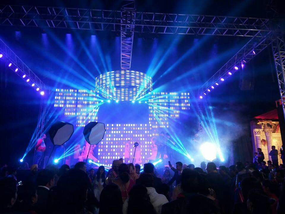 Si Cheng lighting foreign stage lighting performance debut