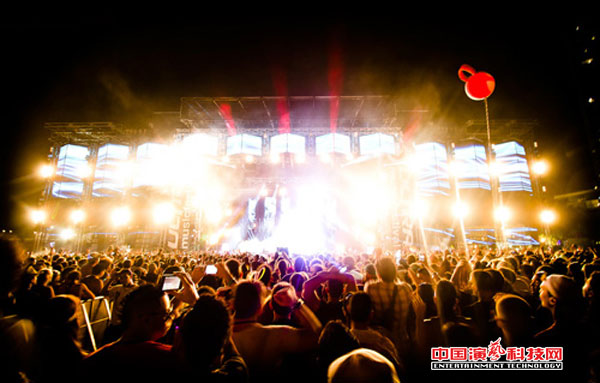 Outdoor performance stage lighting design elements