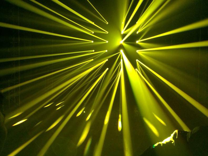 230W摇头光束灯效果图