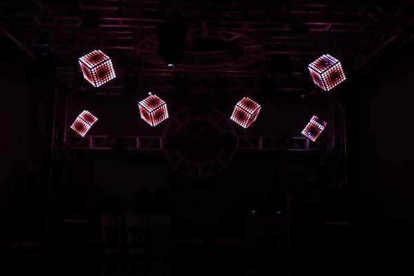 LED 彩魔方效果图
