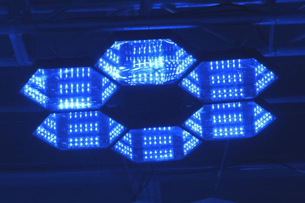 LED 魔幻蜂巢灯效果图