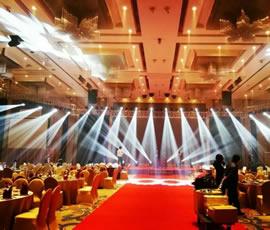 思成舞台灯光四川宴会厅主打230W摇头光束灯光音响工程项目