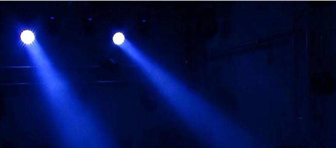 19颗12WLED调焦光束摇头灯效果图