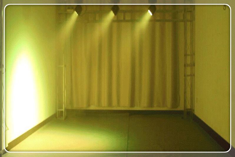 LED7颗10W染色光束摇头灯效果图