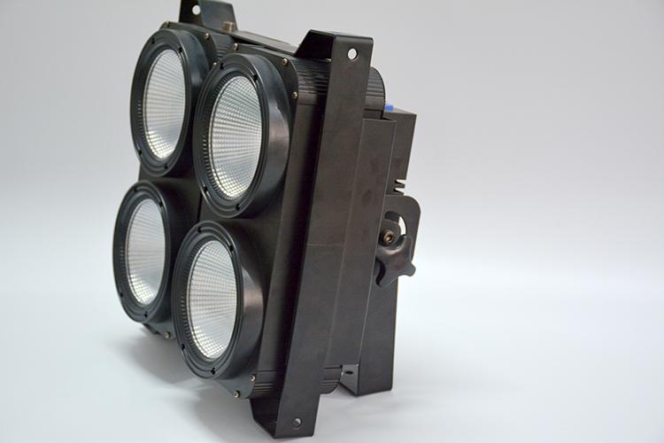 LED四眼COB面光灯效果图