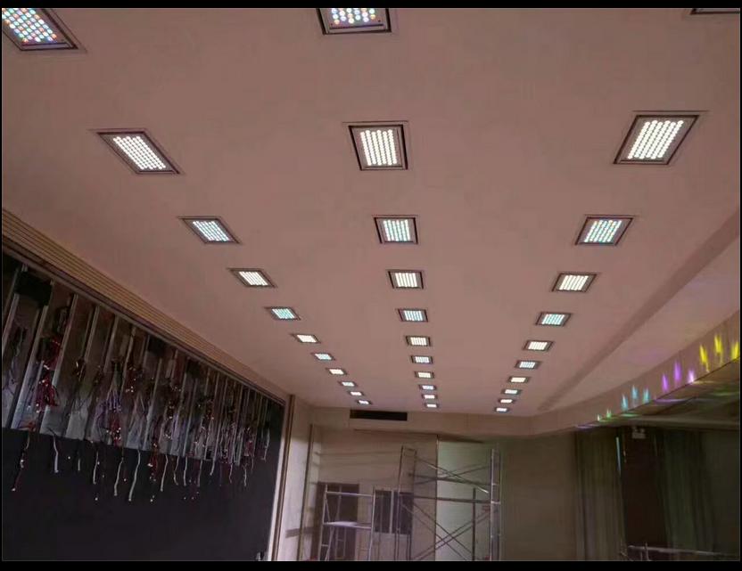 LED嵌入式三基色会议灯效果图