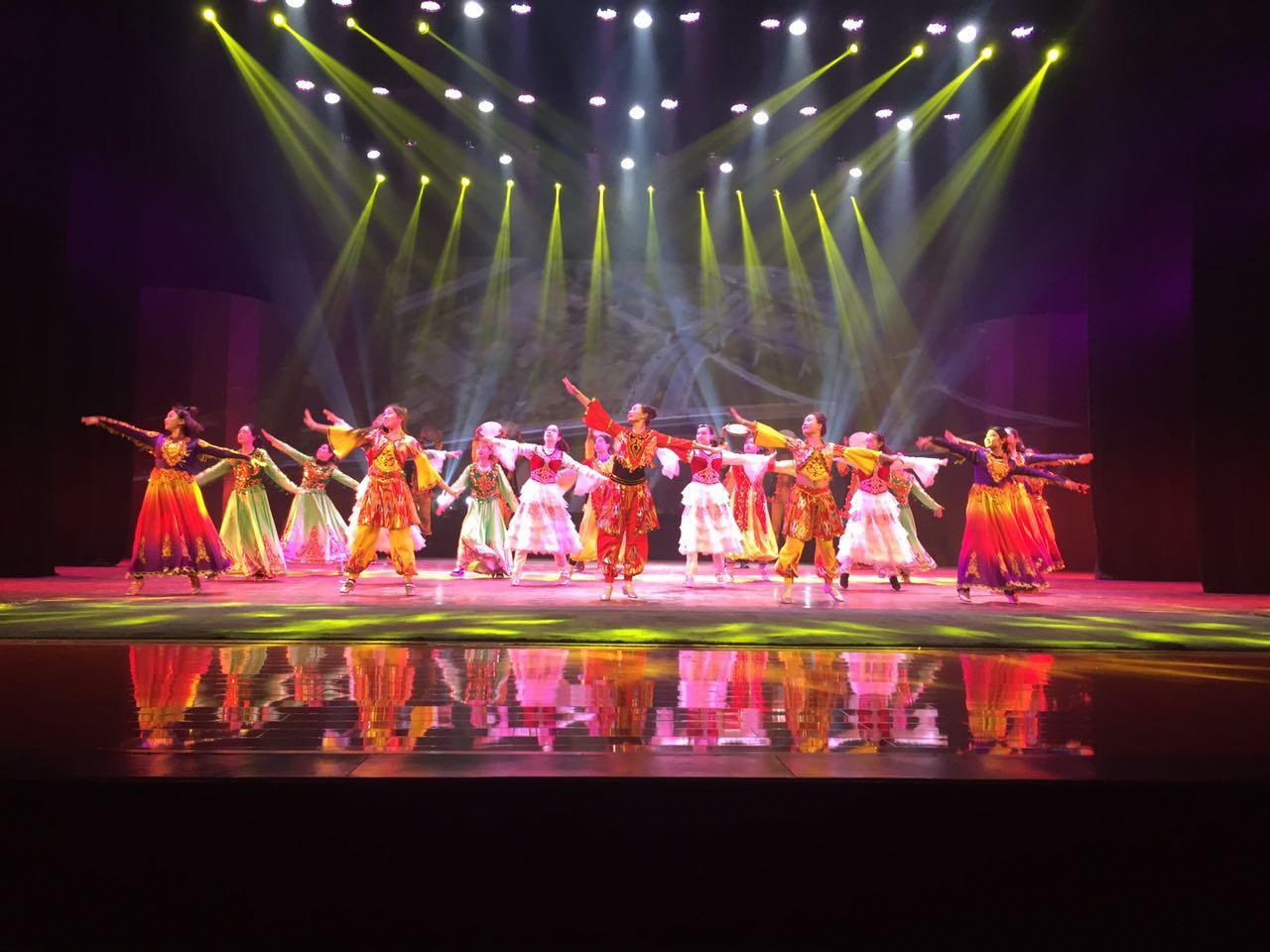 大型综艺节目舞台灯光设计技巧效果图