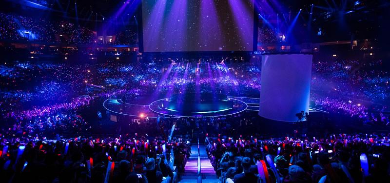 舞台灯光设备在舞台演出中作用效果图