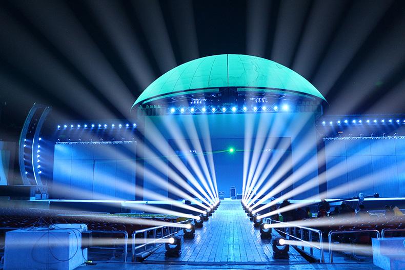 舞台灯光摇头灯结构效果图