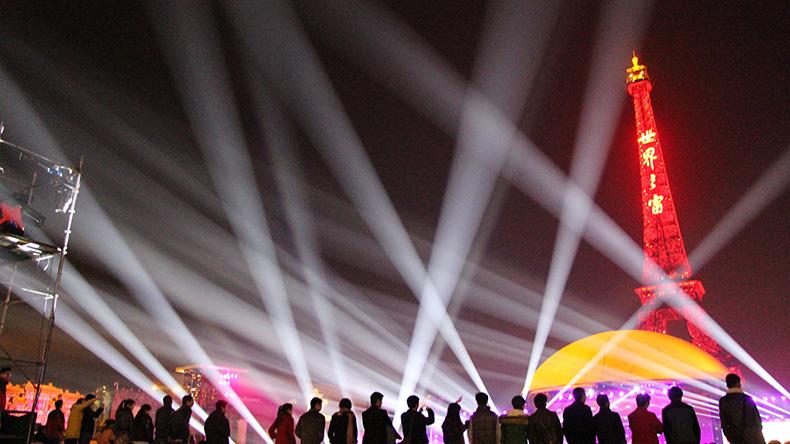 摇头光束灯安装注意事项效果图