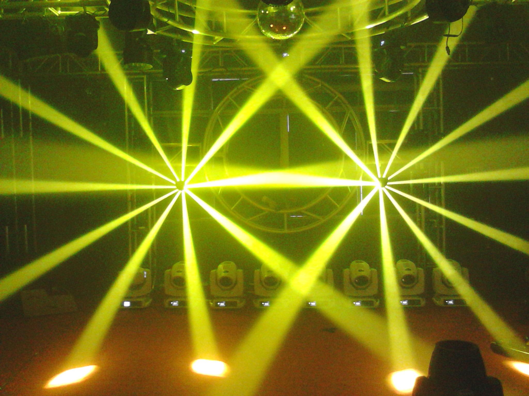 舞台灯光如何着色