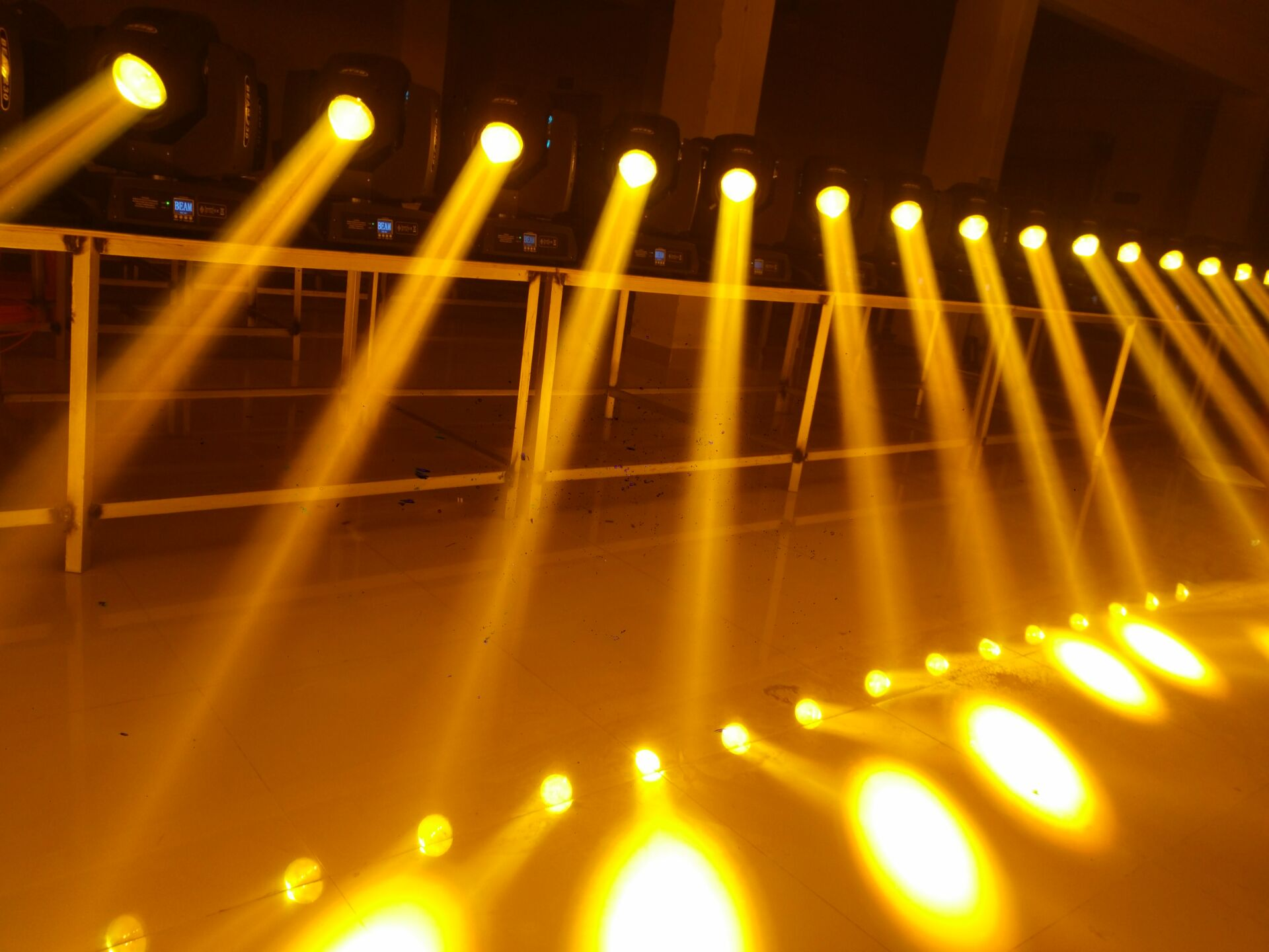 舞台灯光在舞蹈中起的作用