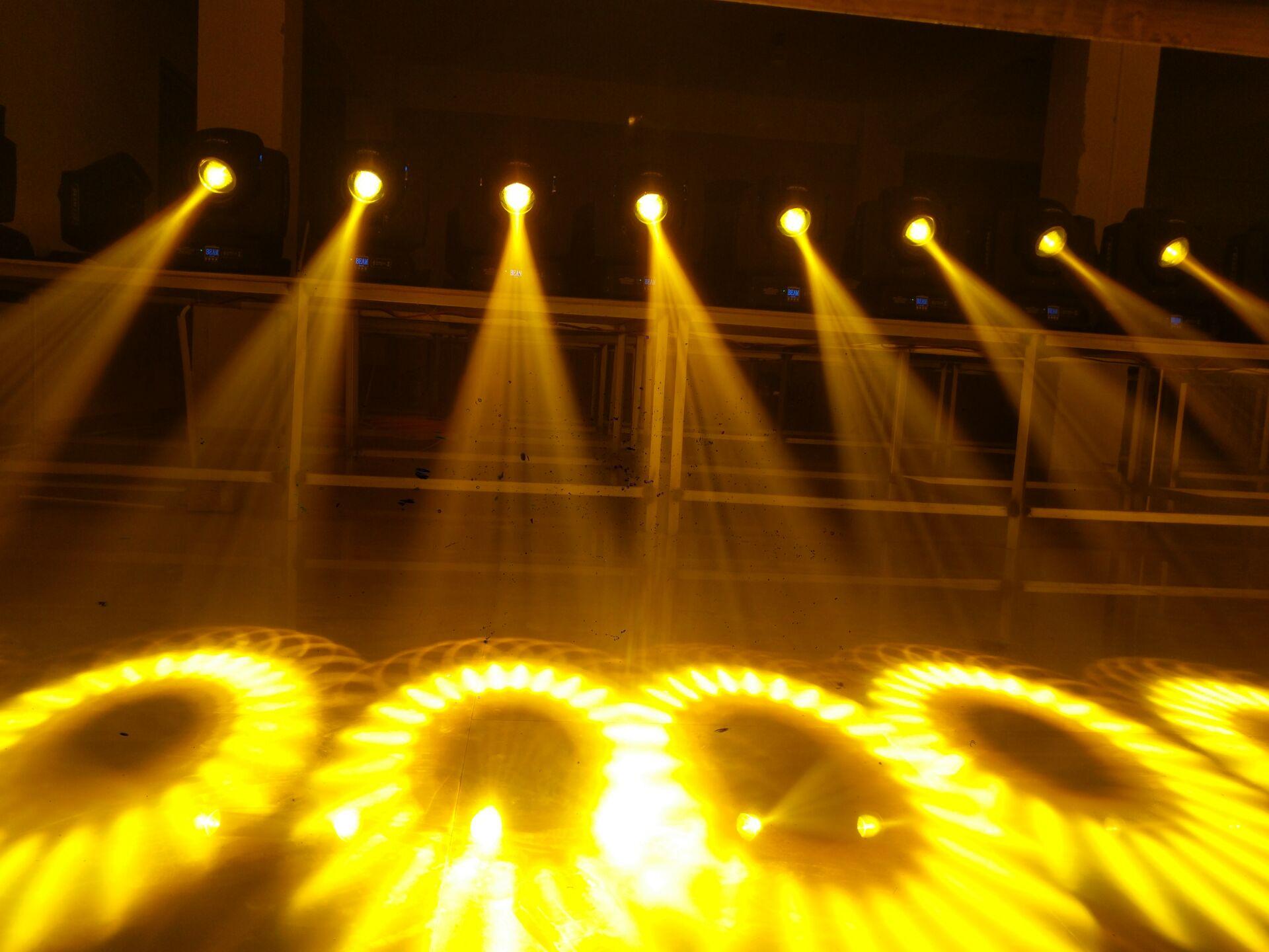 摇头光束灯具有什么样的特性效果图