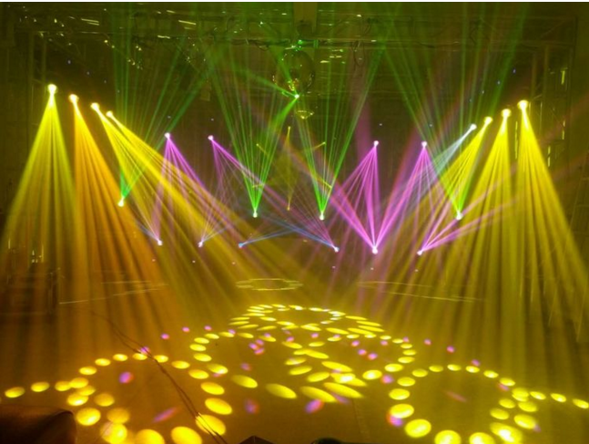 如何选购舞台灯具效果图