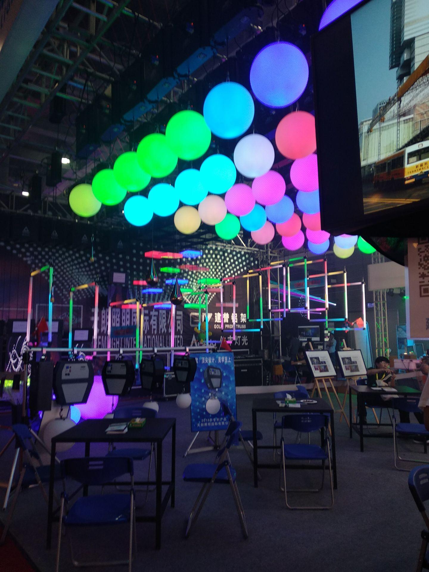 2018年广州国际灯光音响展各商家的舞台灯光设备精彩纷呈展现效果图