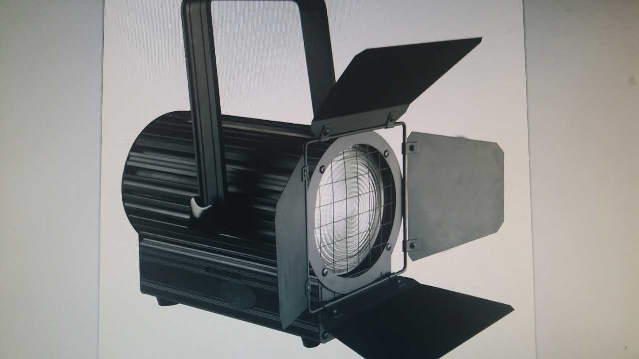 LED影视舞台灯光在演播室的优势效果图