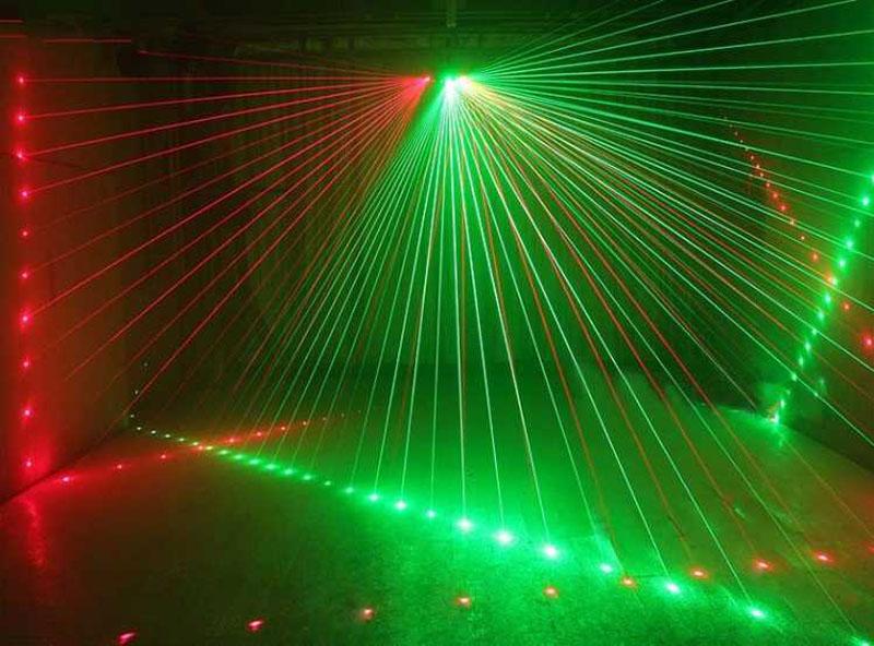 激光灯在舞台灯光中的应用效果图