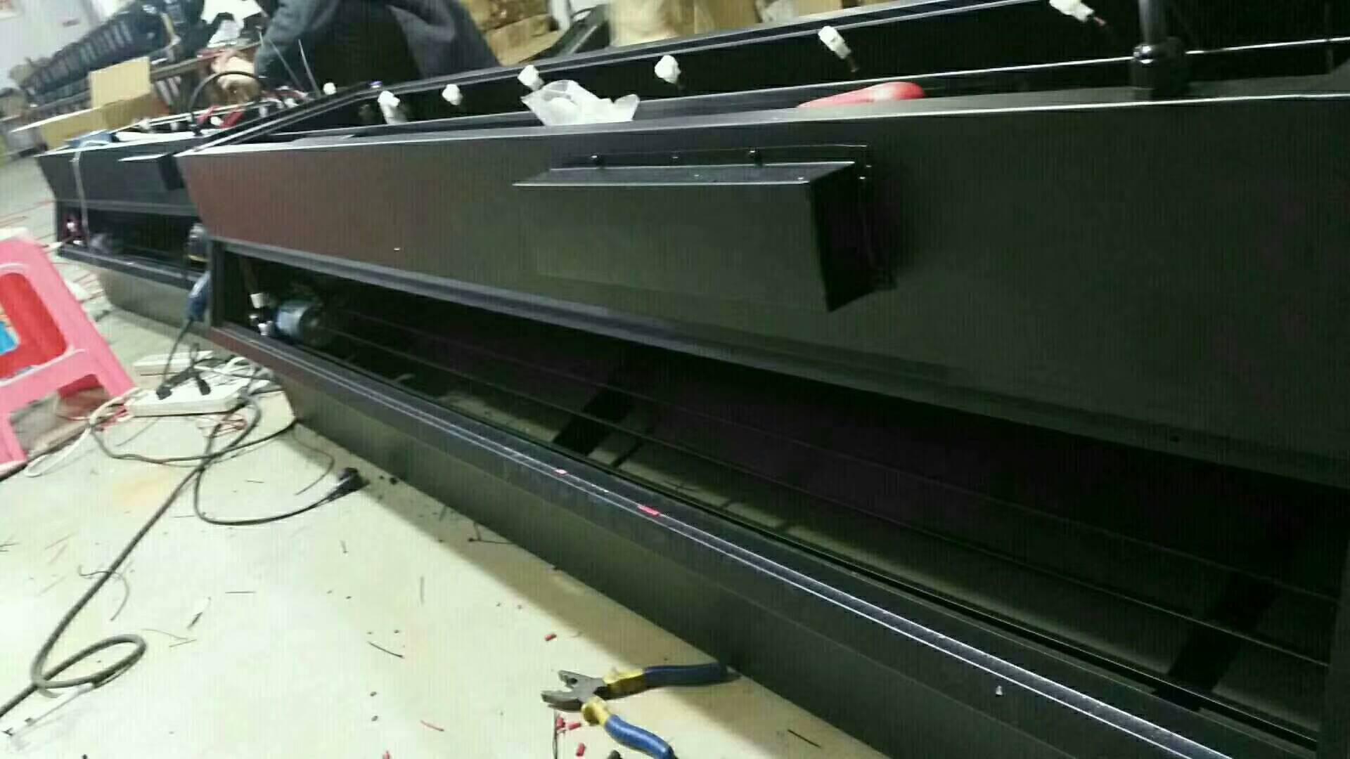 新款雾屏/雾幕机设备的特点和生产车间现场效果图
